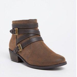 Torrid size 10.5W boots